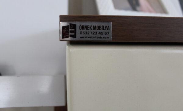 mobilya etiketi